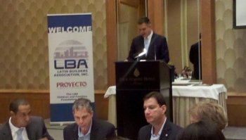 Sánchez speaking at LBA event in Miami