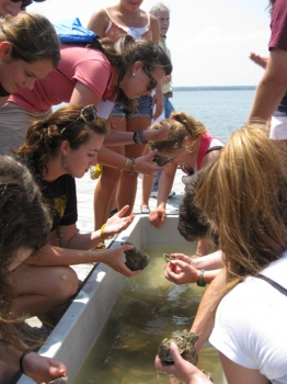 NOAA's Ernest F. Hollings scholarship program students on Chesapeake Bay field study  (NOAA photo)