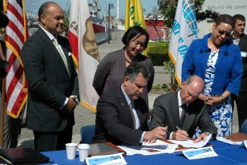 Department of Commerce and American Association of Port Authorities sign memorandum of intent
