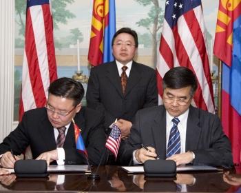 President Tsakhiagiin Elbegdorj, Foreign Minister Zandanshatar, Secretary Locke at signing ceremony