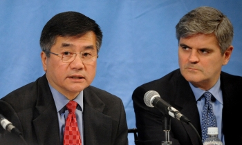 Steve Case, right, listens as Secretary of Commerce Gary Locke talks during a meeting of leading innovative thinkers and entrepreneurs who make up President Barack Obama's National Advisory Council on Innovation and Entrepreneurship.