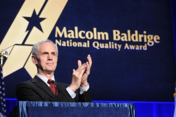Secretary Bryson applauds the 2010 and 2011 Malcolm Baldrige National Quality Award recipients