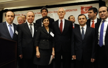 Secretary Bryson and Members of the Confederation of Businessmen and Industrialists of Turkey
