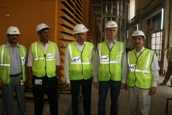 Secretary Bryson tours the Mumbai International Airport Expansion Project