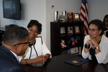 Secretary Pritzker meets with Reggie Bigham (Deputy Regional Director) and Katrina Carter (Assistant Regional Director) of the Census Bureau's Atlanta Regional Office on Friday, August 23.