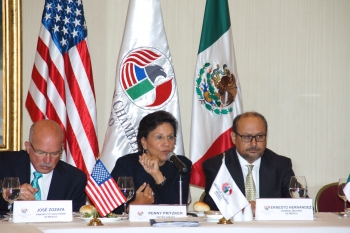 Secretary Penny Pritzker speaking with the American Chamber of Commerce of Mexico alongside Ernesto M. Hernández, President & Director General of General Motors Mexico, and Jose Zozaya, President and Executive Representative, Kansas City Southern de Mexico