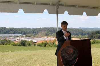 Deputy Assistant Secretary Matt Erskine Presents EDA Investment Grants to Tennessee and Kentucky (Photo courtesy of Jeremy Nash, News-Herald and The Connection)