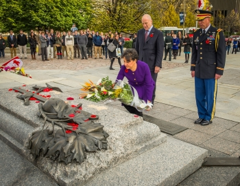 Secretary Pritzker laying a wreath at the Canadian War Memorial, extending her deepest sympathy for the loss of Canada's heroes.