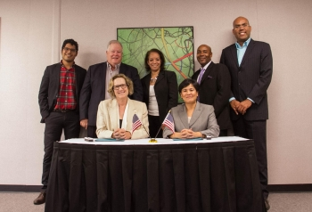 The San Francisco Minority Business Development Center signs partnership agreement with Lawrence Livermore National Laboratory in August, 2014.