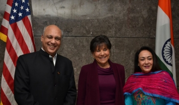 U.S. Secretary of Commerce Penny Pritzker (center), poses with Mr. Sidharth Birla, former president of the Federation of Indian Chambers for Commerce and Industry, and Dr. Jyotsna Suri, current President of FICCI and Bharat Hotels Chairwoman