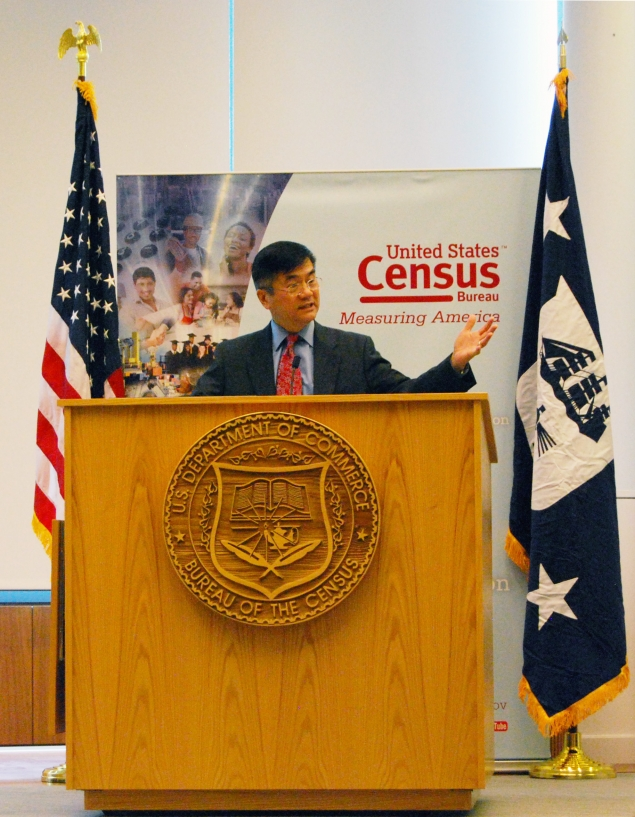 Secretary Locke thanks employees at the Census Bureau for their excellent performance on the 2010 Census.