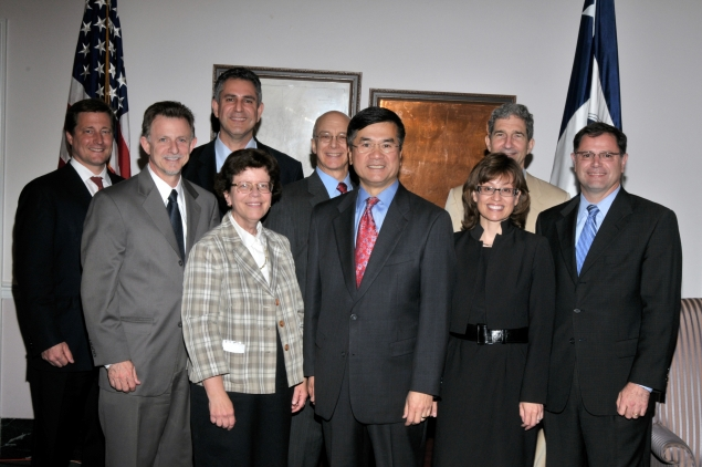 Secretary Locke met with several of his Under Secretaries and some members of his leadership team to express his thanks.
