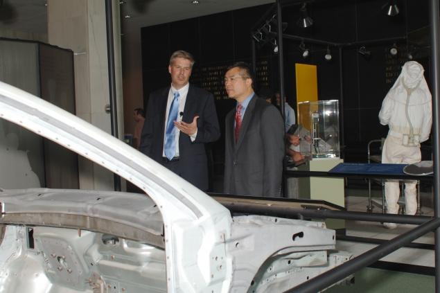 NIST Director Patrick Gallagher shows Secretary Locke around the NIST showroom.