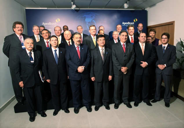 Secretary Locke with U.S. and Brazilian business leaders at the U.S.-Brazil CEO Forum