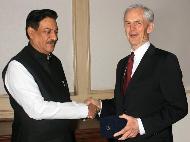 Secretary Bryson meets the Chief Minister of Maharashtra Prithviraj Chavan