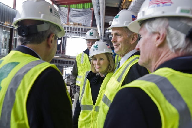 Secretary Bryson and Senator Gillibrand touring the construction site of RIT's brand new facility.