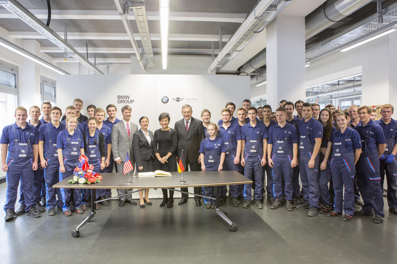 Groupf photo of pritzker and apprentice training program students