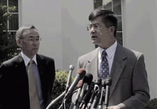 Secretary Chu and Locke at podium.