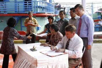 Locke witnesses signing of first-ever Indonesia-U.S. Ocean Exploration Partnership MOU