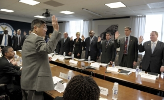 Secretary Locke swears in the Manufacturing Council